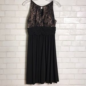 R&M Richards Dress Petite NWOT 4P Black Lace